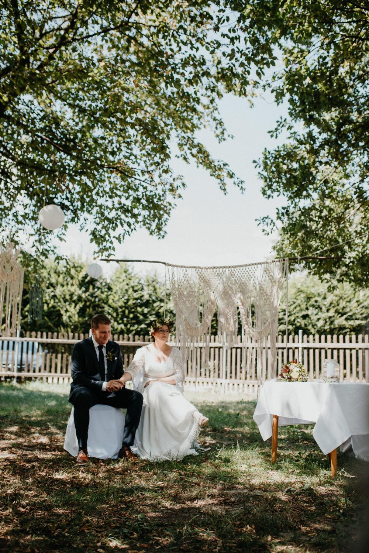 Wie du es schaffst ohne Vorkenntnisse einen Riesen Makramee Vorhang zu knoten Für unsere Hochzeit wollte ich unbedingt einen Makramee Vorhang, als Wedding Backdrop. Ich habe so oft welche beim Stöbern, auf Pinterest entdeckt. #wedding #hochzeit #makramee